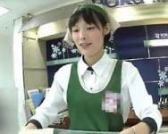 【パンチラ盗撮】逆さHERO 都内某洋菓子店で働くお姉さんの制服パンチラ
