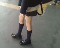 ふくろう流出!女子校生スカートめくり盗撮