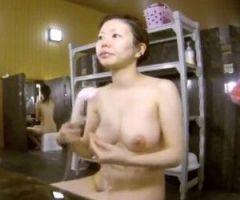 【風呂盗撮】スーパー銭湯隠し撮り オッパイ大きいね!