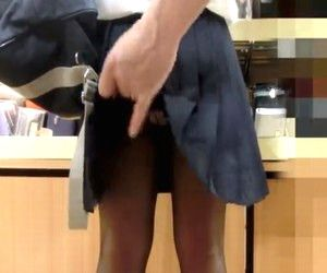 神童(鬼畜)流出!女子校生スカート捲り