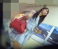 【パンチラ盗撮】ノースリーブの清楚系お嬢様を追跡撮り!