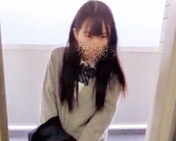 ねんいちによる女子校生パンチラ盗撮
