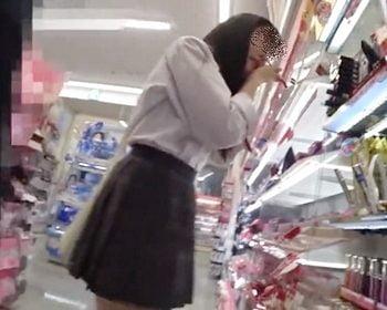 ぱんの耳さんの女子校生パンチラ盗撮